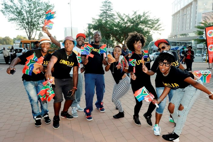 iii-The-Proudly-South-African-team-show-their-passion-for-South-Africa-700x466